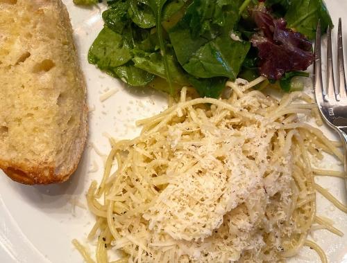 Foodie Friday: Spaghetti Aglio e Olio